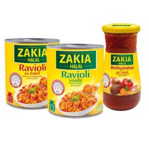 Zakia propose des ravioli en conserve et une sauce bolognaise